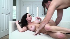 Stacked brunette cougar in heat has a younger guy fulfilling her needs