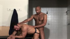 Black dude takes it to the base from his handsome white gym buddy