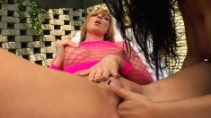 Blonde and brunette cuties Gabriella and Mandy fist each other's cunts