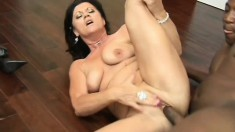 Experienced lady loves to bounce her body on some fresh young cock